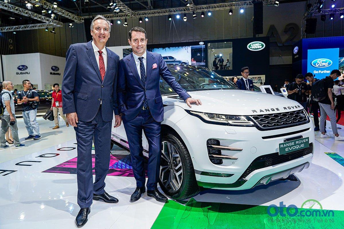 [VMS 2019] Range Rover Evoque 2020 ra mắt với 3 phiên bản, giá khởi điểm từ 3,53 tỷ đồng.