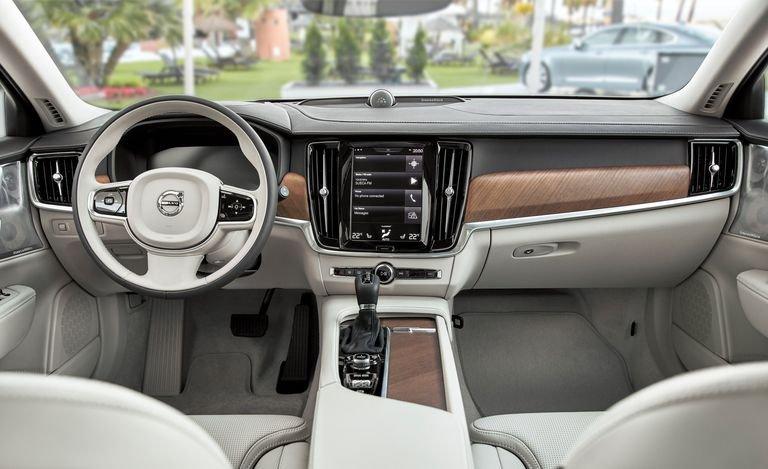 Cabin của Volvo S90 được tổng hòa những tính năng ấn tượng nhấ