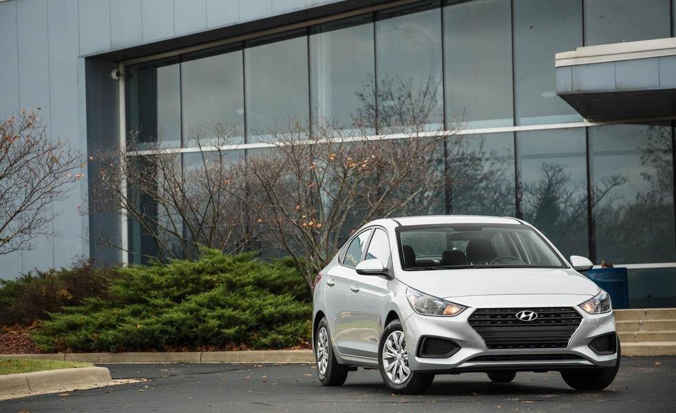 Giá xe Hyundai Accent