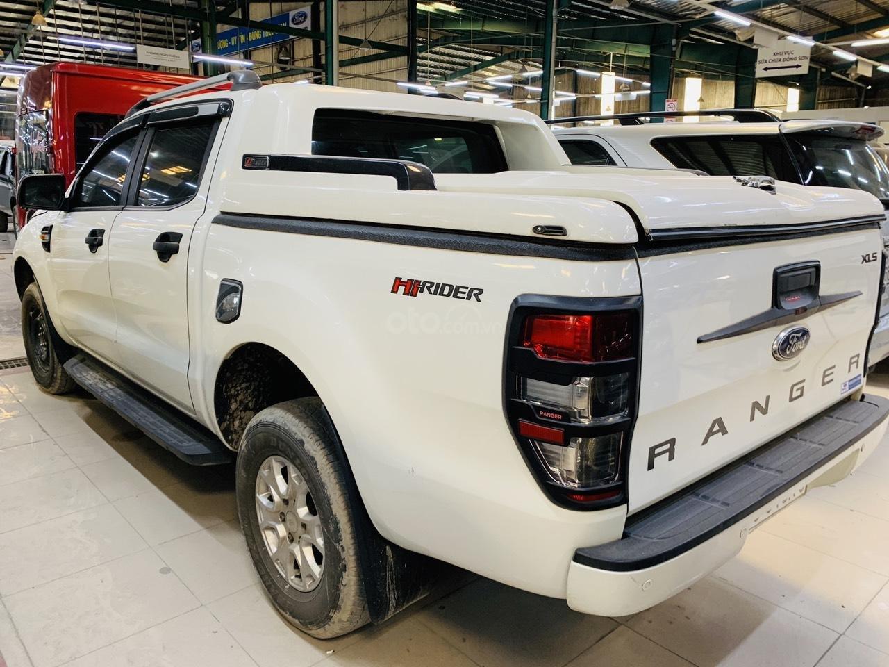 Ford Ranger XLS MT 2016 - Hỗ trợ vay 70% - 5 năm (2)