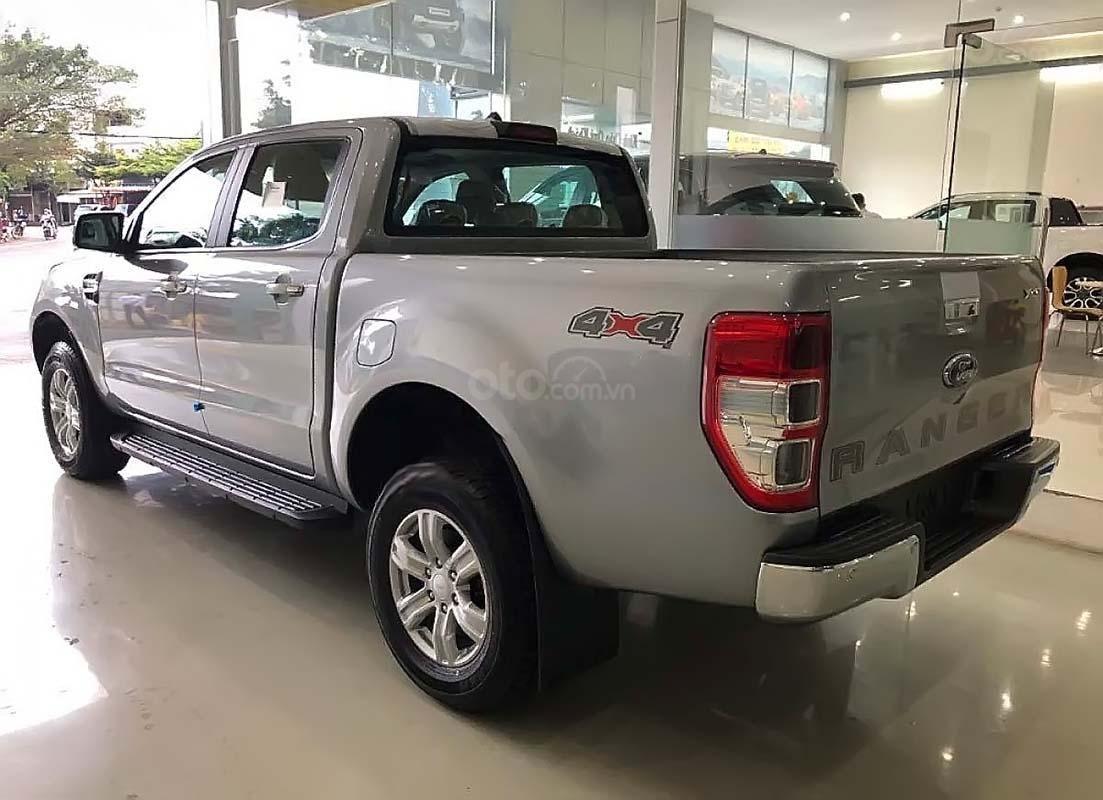 Cần bán xe Ford Ranger đời 2019, màu bạc, xe nhập chính hãng (5)