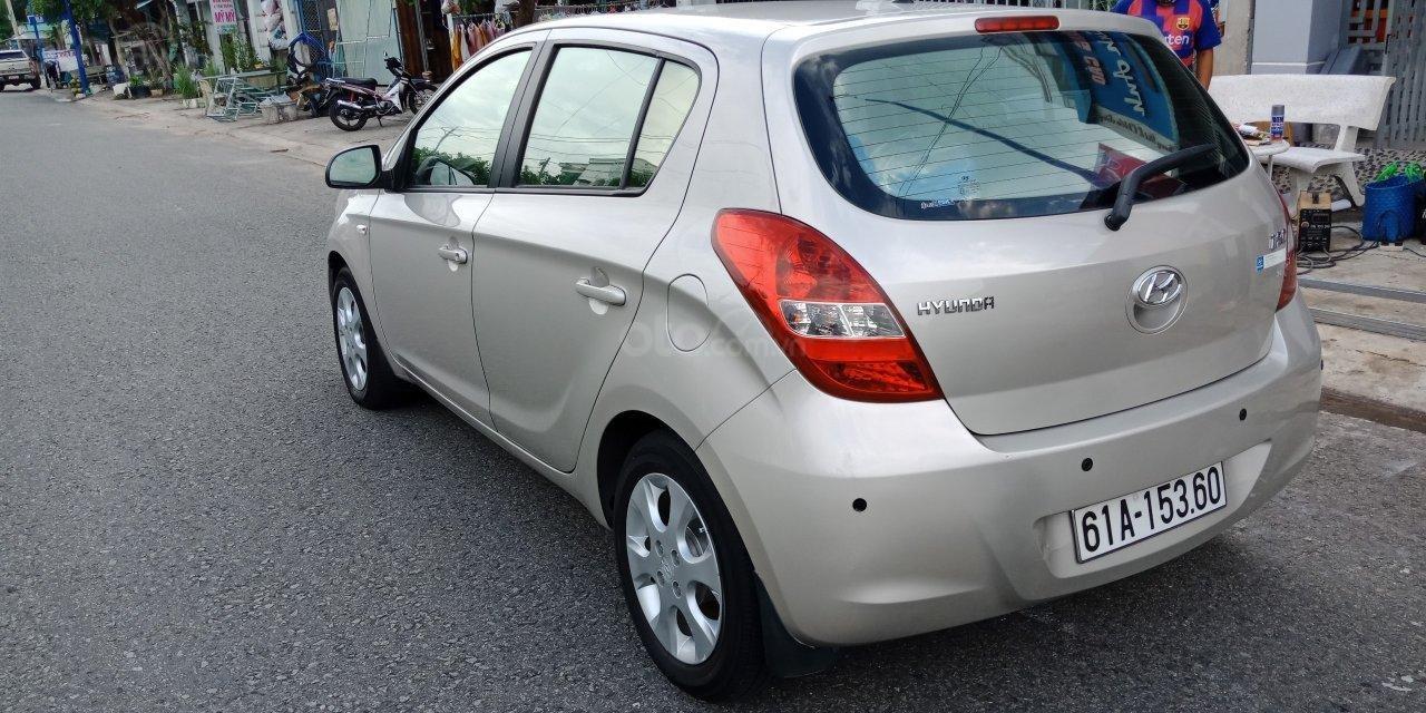 Cần bán Hyundai i20 năm sản xuất 2011, màu nâu, xe nhập, LH: 0355341978 (2)