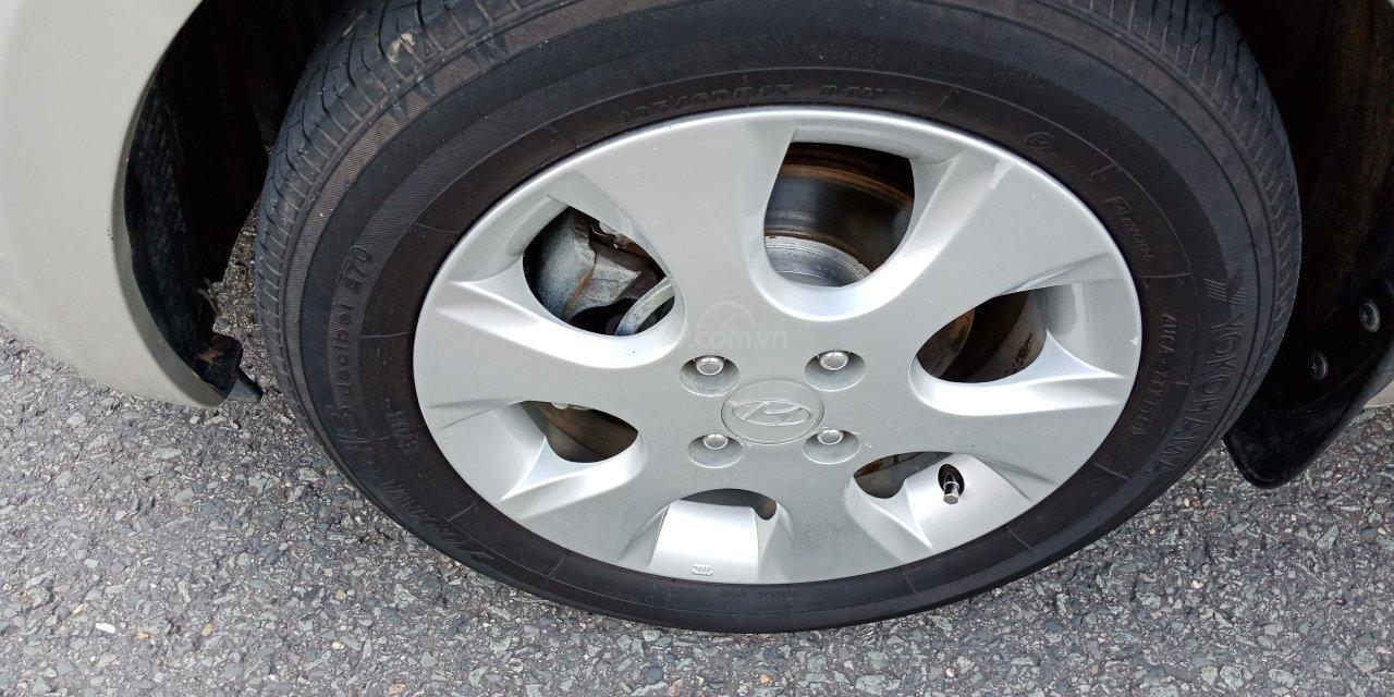 Cần bán Hyundai i20 năm sản xuất 2011, màu nâu, xe nhập, LH: 0355341978 (4)