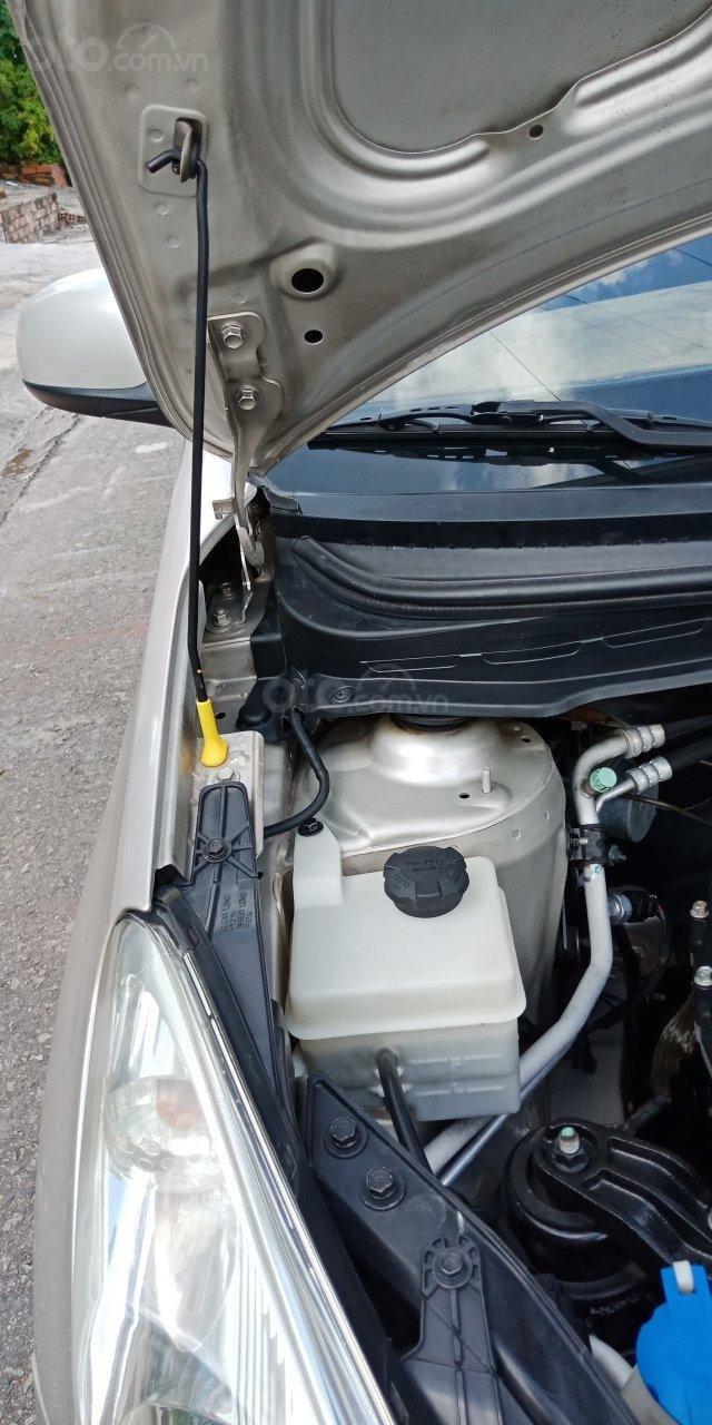 Cần bán Hyundai i20 năm sản xuất 2011, màu nâu, xe nhập, LH: 0355341978 (9)