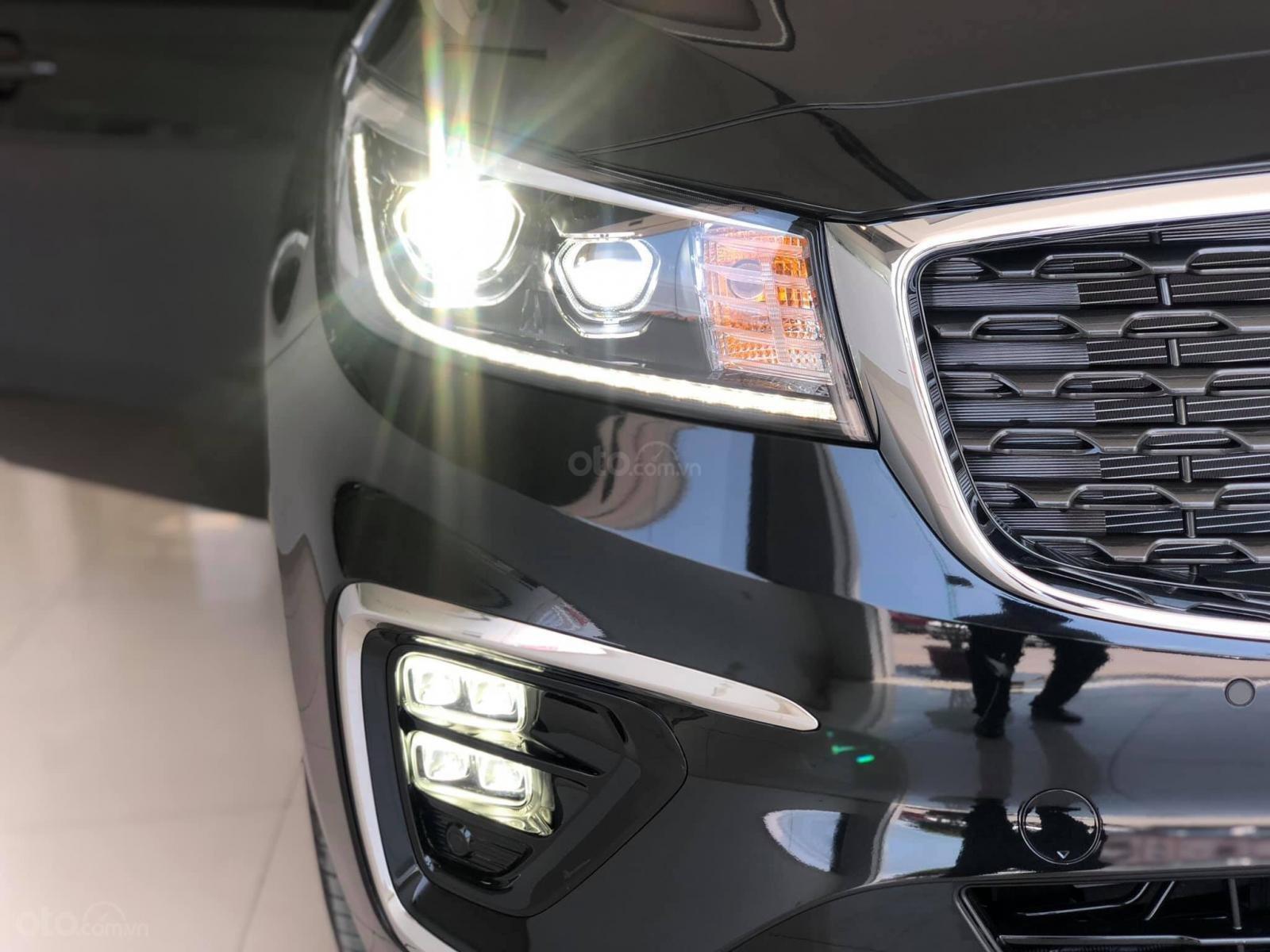 Kia Sedona - hỗ trợ vay 85%, ưu 60 triệu trong tháng 01/2020, LH 0909 647 995 (6)