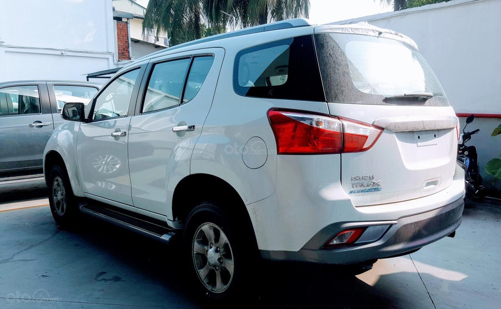Cuối năm giá tốt, khuyến mãi khủng, Isuzu mu-X B7 2019, xe sẵn giao ngay (8)