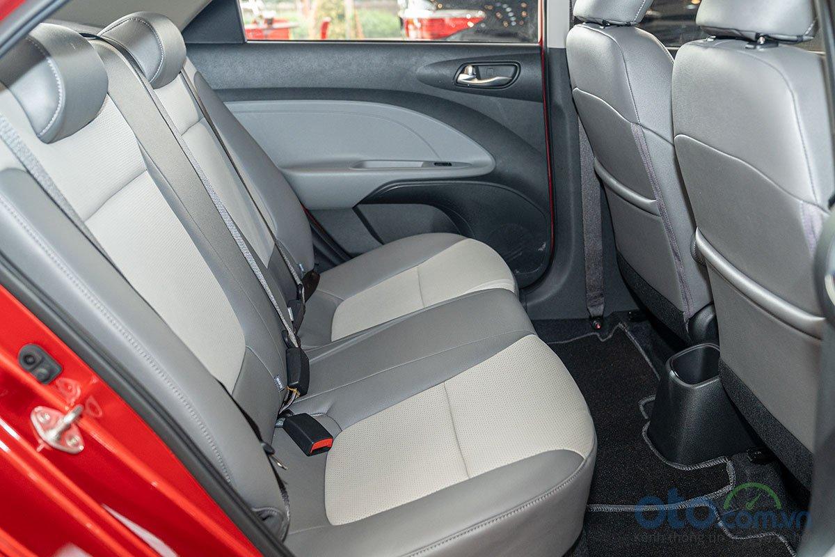 So sánh xe Honda Brio 2019 và Kia Soluto 2019 về thiết kế ghế ngồi - Ảnh 3.