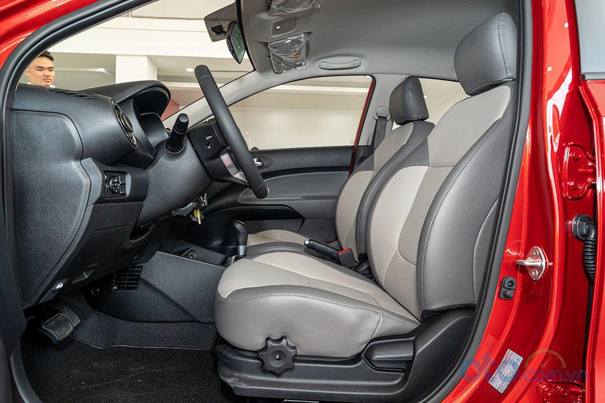 So sánh xe Honda Brio 2019 và Kia Soluto 2019 về thiết kế ghế ngồi - Ảnh 1.