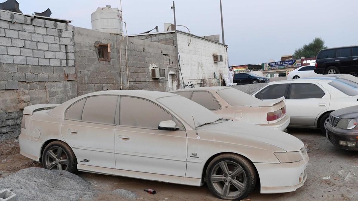 """Vấn nạn xe """"không ai nhận"""" ở Dubai"""