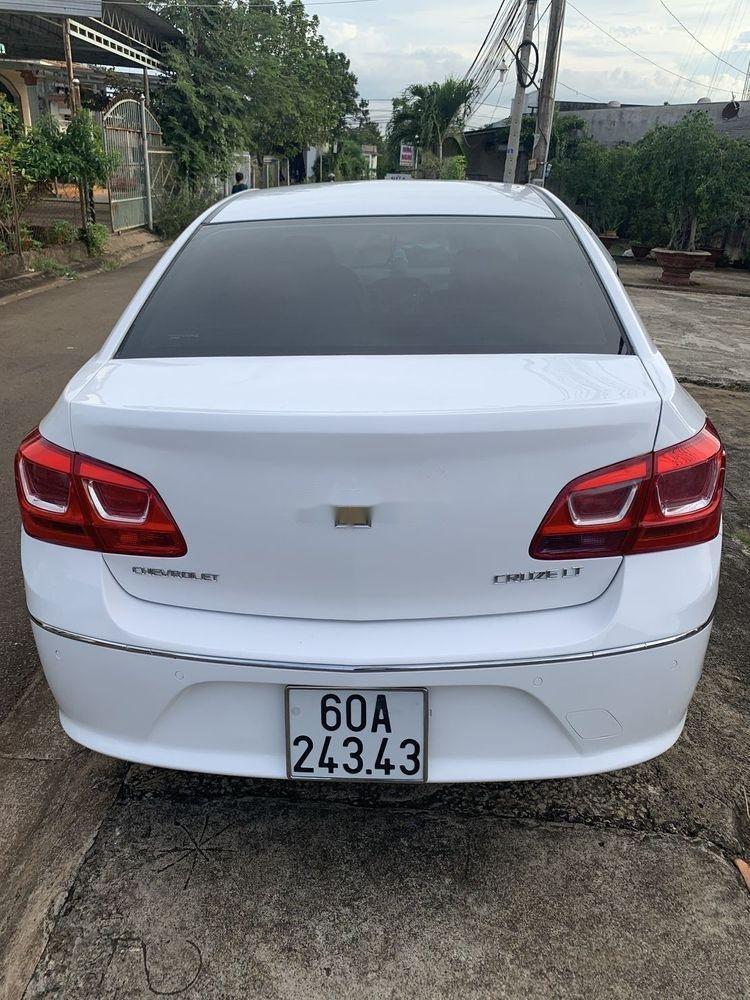 Cần bán lại xe Chevrolet Cruze sản xuất 2015, màu trắng xe gia đình, còn nguyên bản (6)