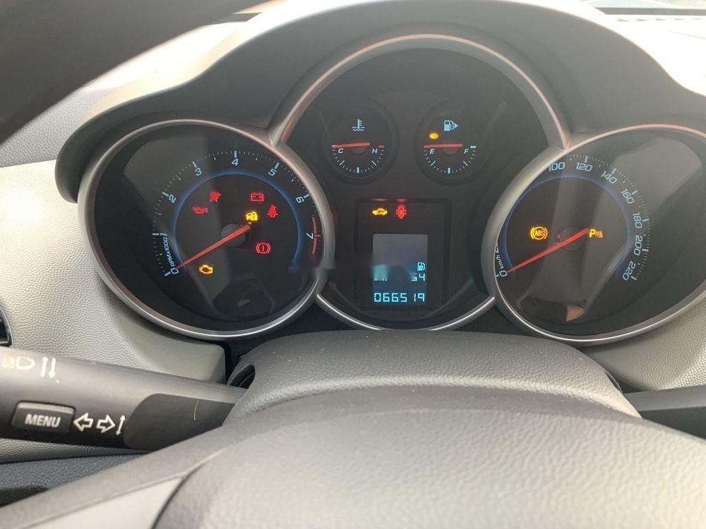 Cần bán lại xe Chevrolet Cruze sản xuất 2015, màu trắng xe gia đình, còn nguyên bản (10)