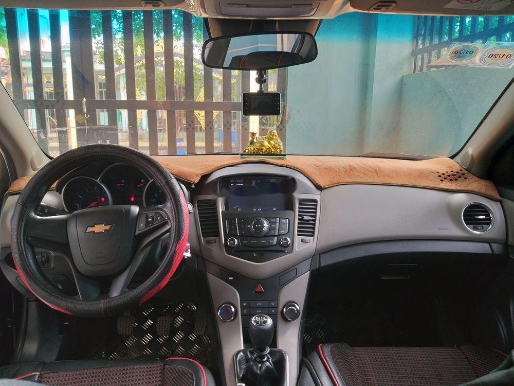 Bán Chevrolet Cruze đời 2016, màu đen xe gia đình, 375 triệu, còn nguyên bản (2)