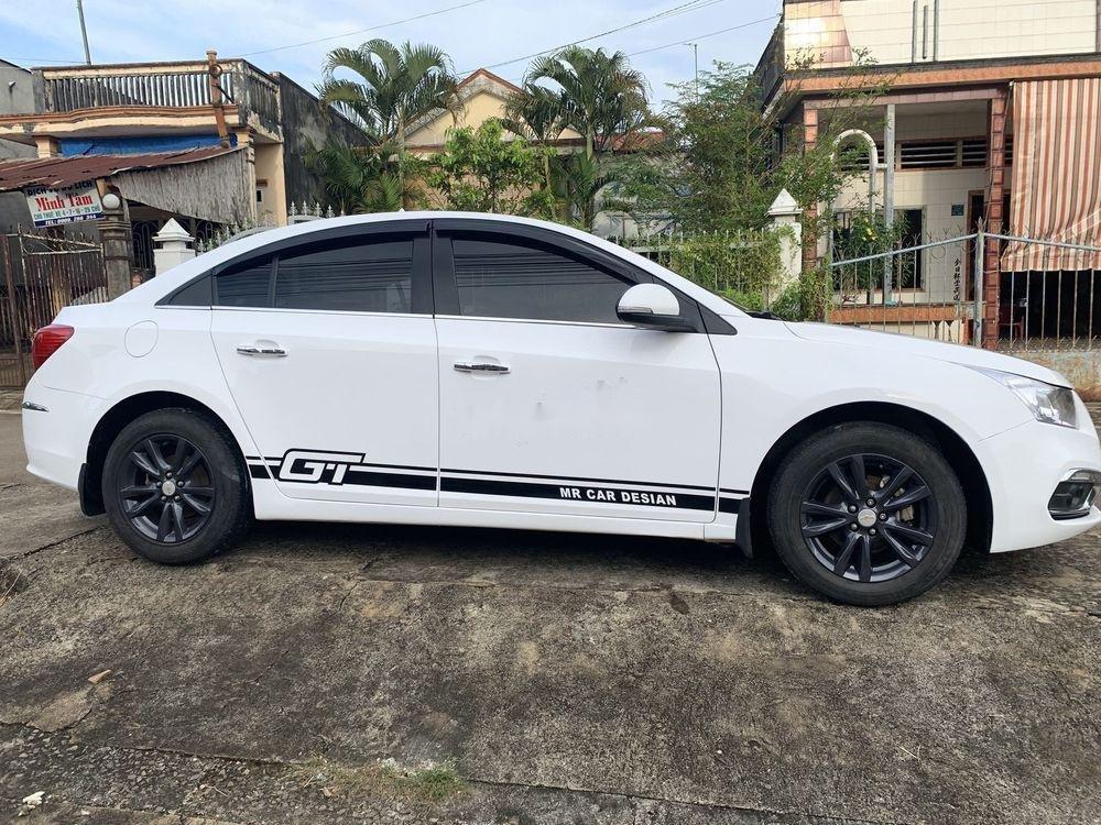 Cần bán lại xe Chevrolet Cruze sản xuất 2015, màu trắng xe gia đình, còn nguyên bản (4)