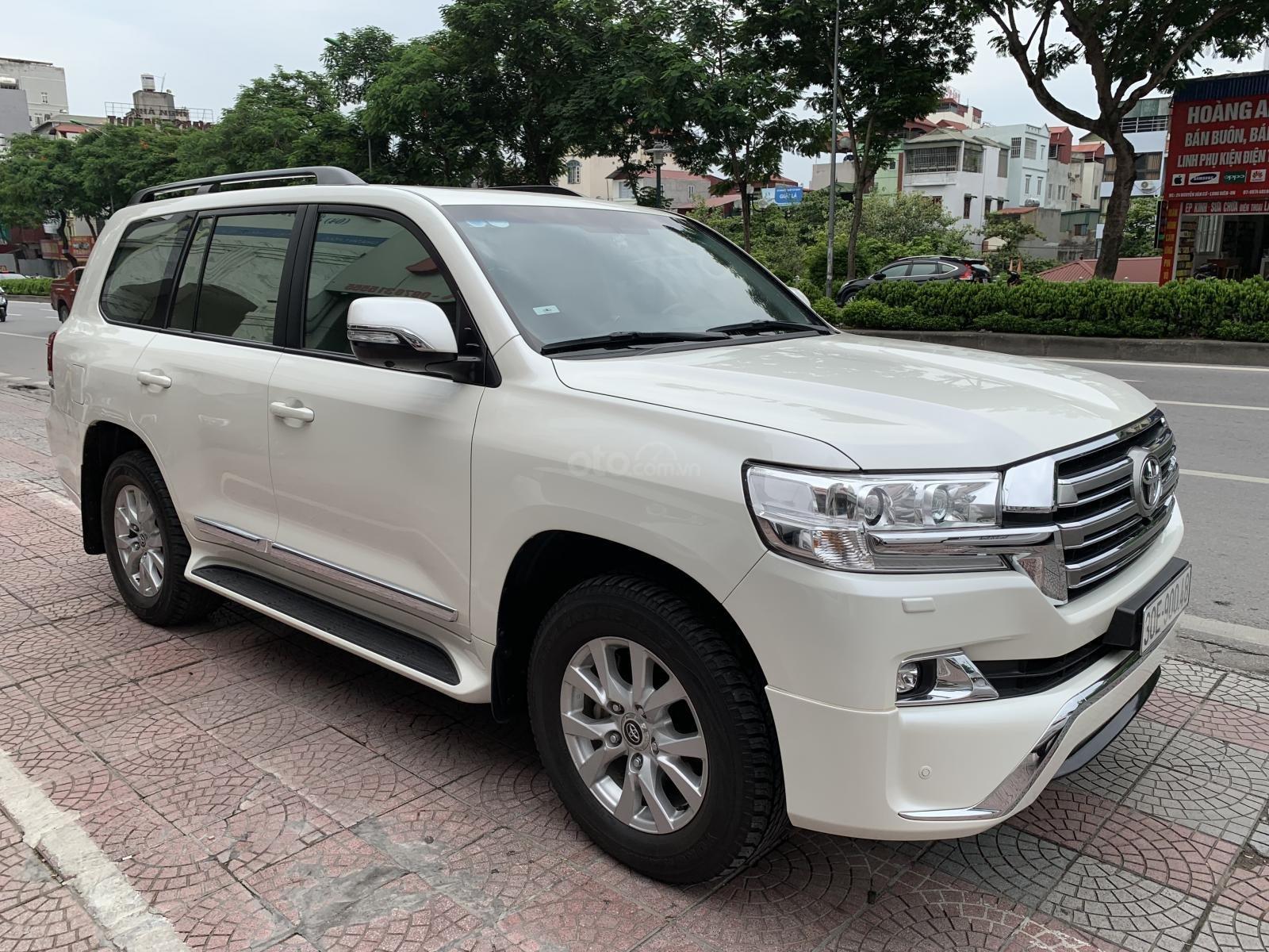 Bán xe Toyota Land Cruiser 4.5 2016, màu trắng, nhập khẩu nguyên chiếc (3)