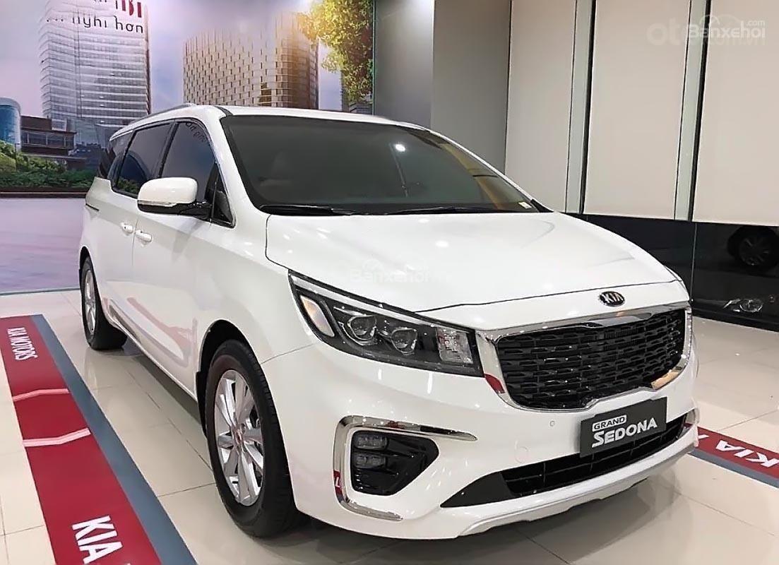 Bán Kia Sedona GAT Luxury đời 2019, màu trắng (2)