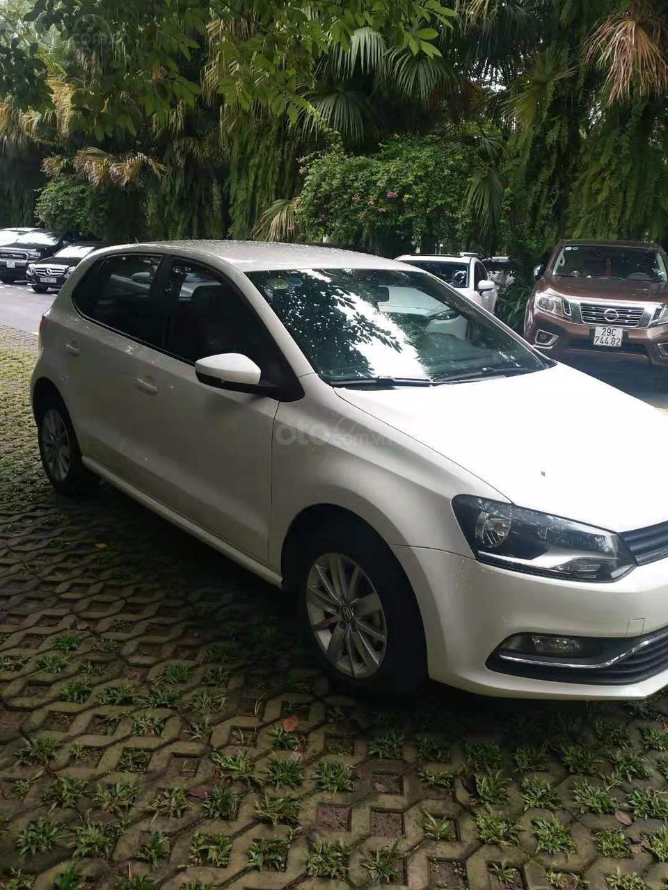 Bán xe Volkswagen Polo màu trắng, đăng kí 2017 (4)
