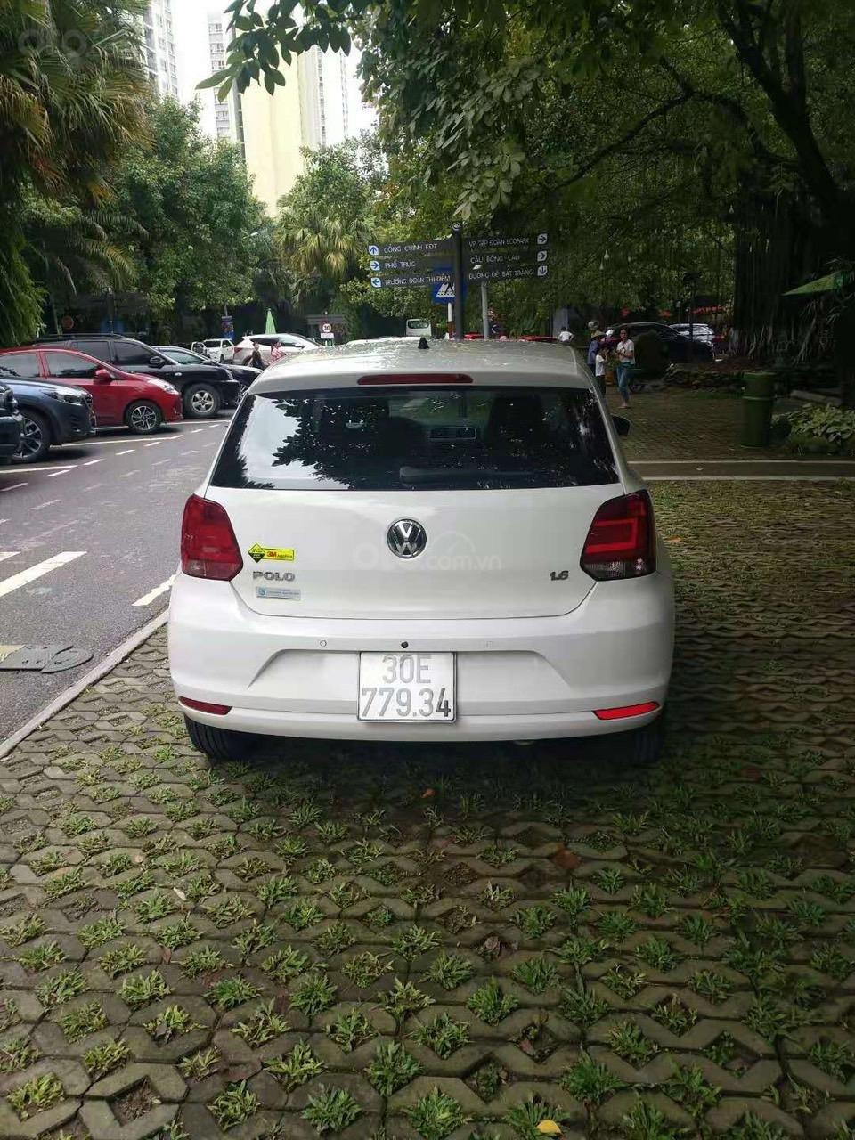 Bán xe Volkswagen Polo màu trắng, đăng kí 2017 (5)