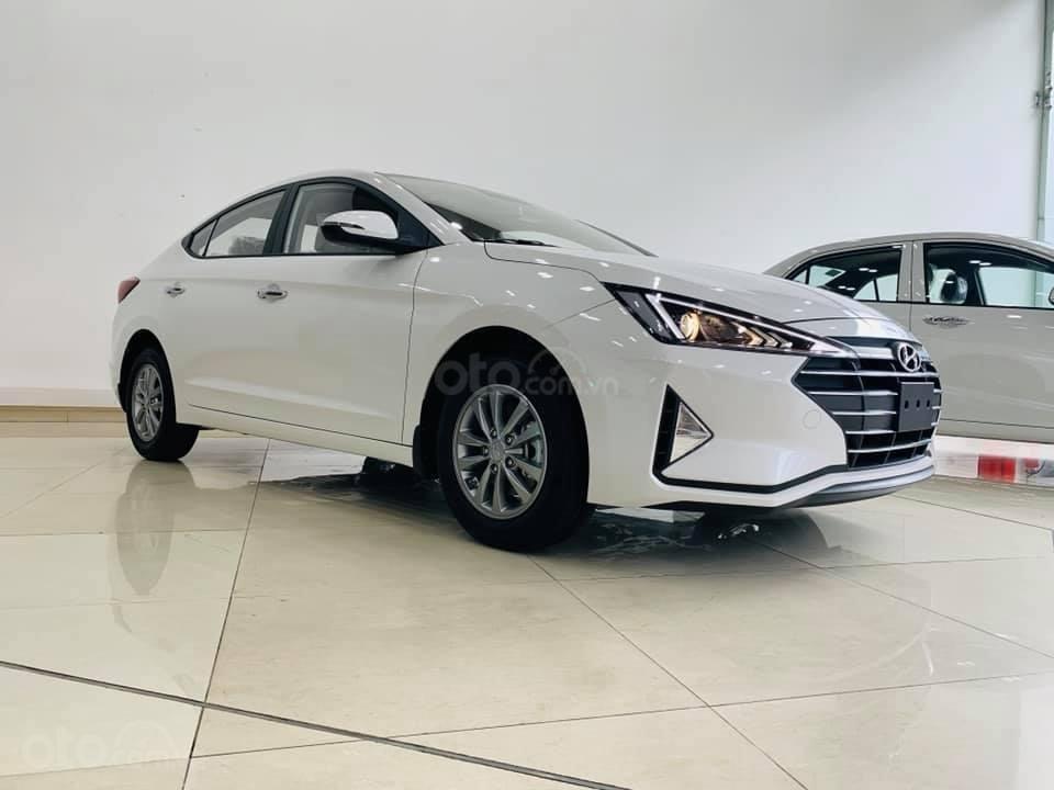Hyundai Elantra mới 2019 - Chỉ 219tr nhận xe ngay - Giảm ngay tiền mặt và tặng vô số phụ kiện (2)