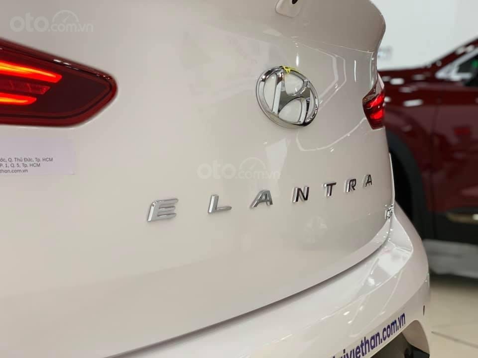 Hyundai Elantra mới 2019 - Chỉ 219tr nhận xe ngay - Giảm ngay tiền mặt và tặng vô số phụ kiện (3)