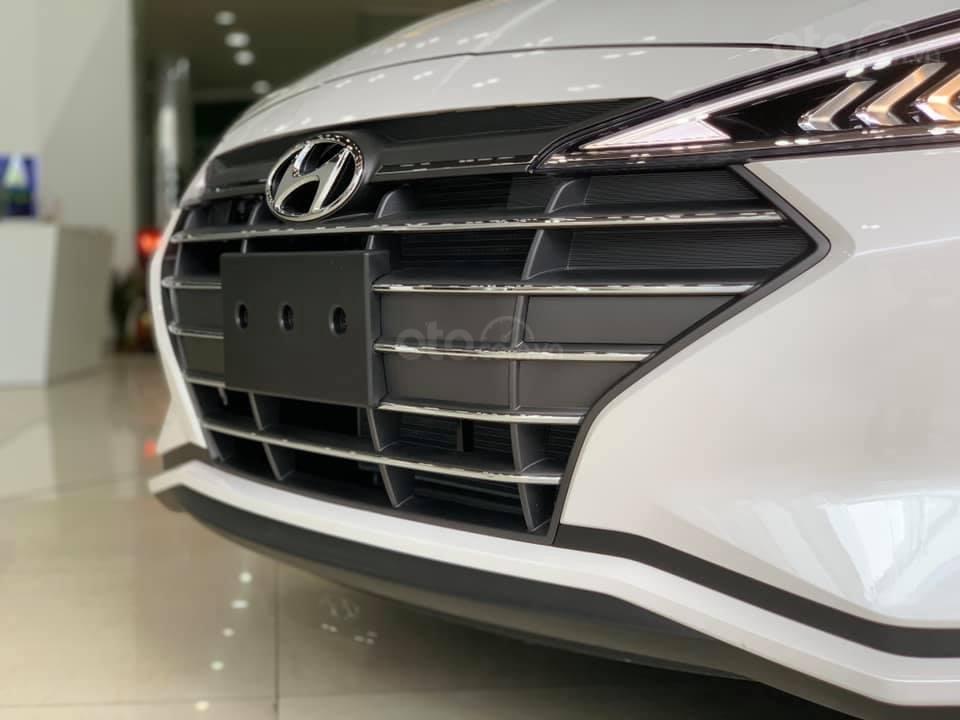 Hyundai Elantra mới 2019 - Chỉ 219tr nhận xe ngay - Giảm ngay tiền mặt và tặng vô số phụ kiện (5)