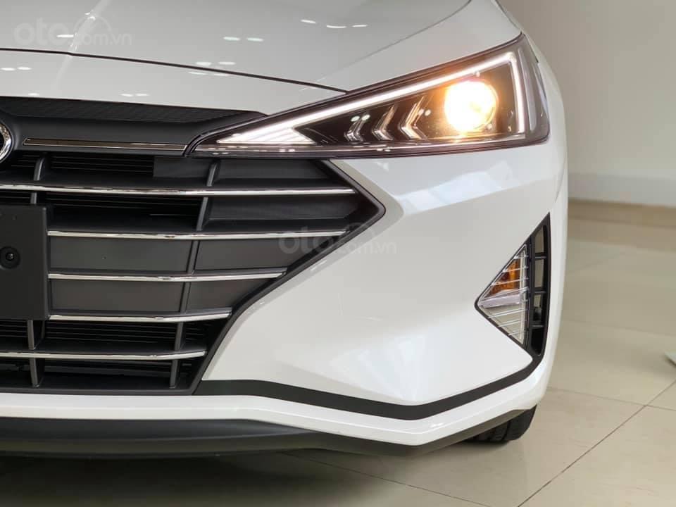 Hyundai Elantra mới 2019 - Chỉ 219tr nhận xe ngay - Giảm ngay tiền mặt và tặng vô số phụ kiện (6)