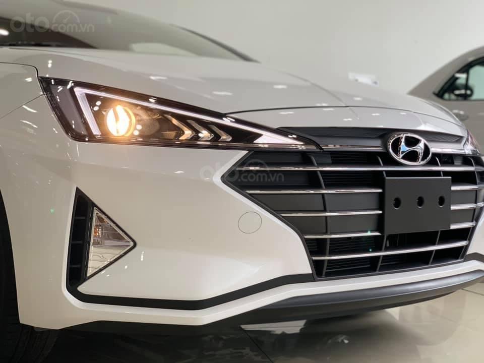 Hyundai Elantra mới 2019 - Chỉ 219tr nhận xe ngay - Giảm ngay tiền mặt và tặng vô số phụ kiện (9)