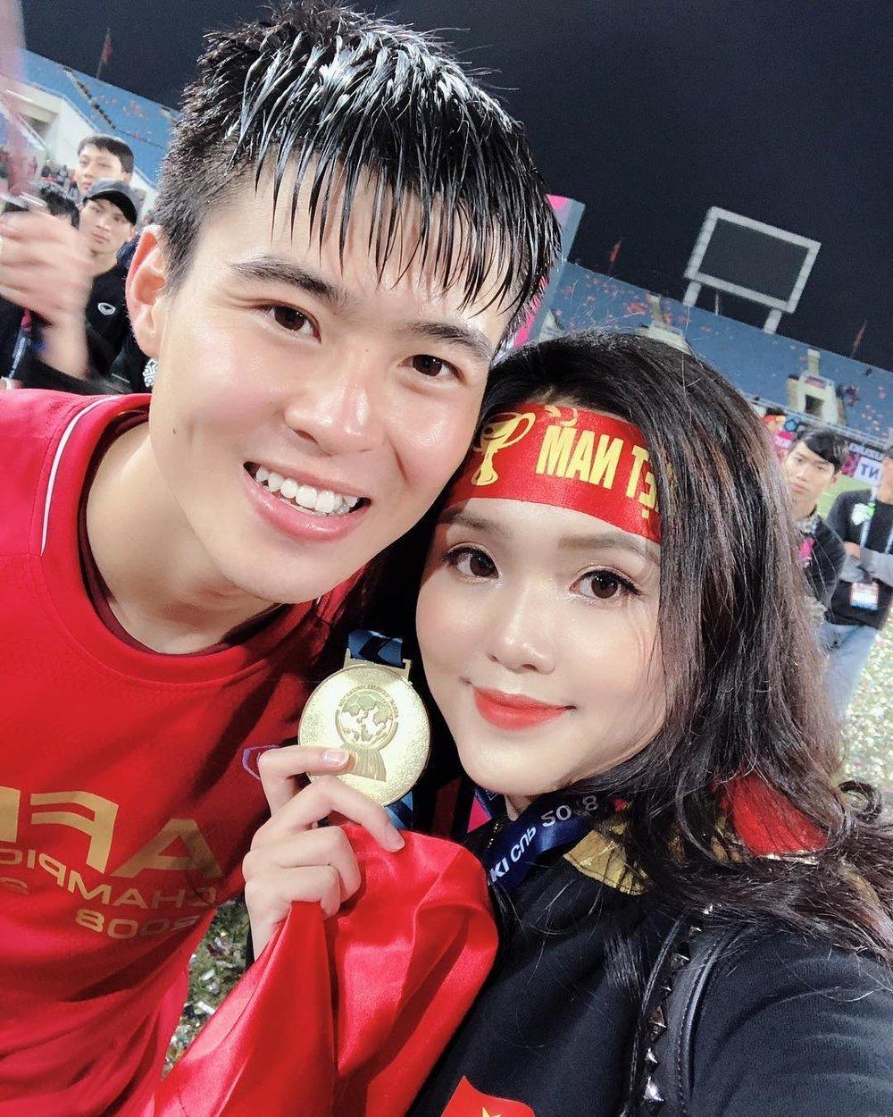 nàng WAGS được yêu thích trong dàn người yêu của cầu thủ Việt