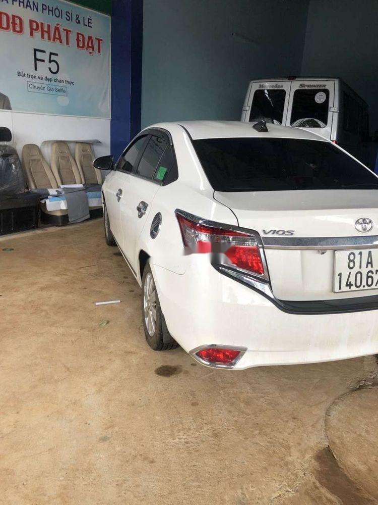 Bán Toyota Vios 2017, màu trắng xe gia đình, giá tốt (2)