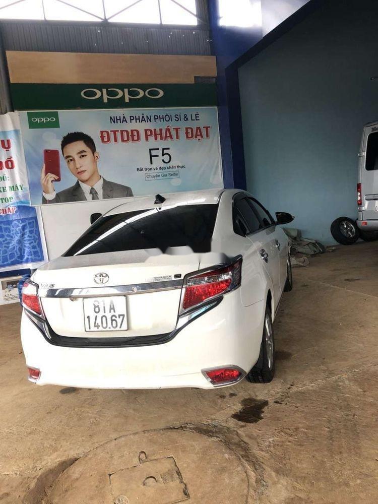 Bán Toyota Vios 2017, màu trắng xe gia đình, giá tốt (3)