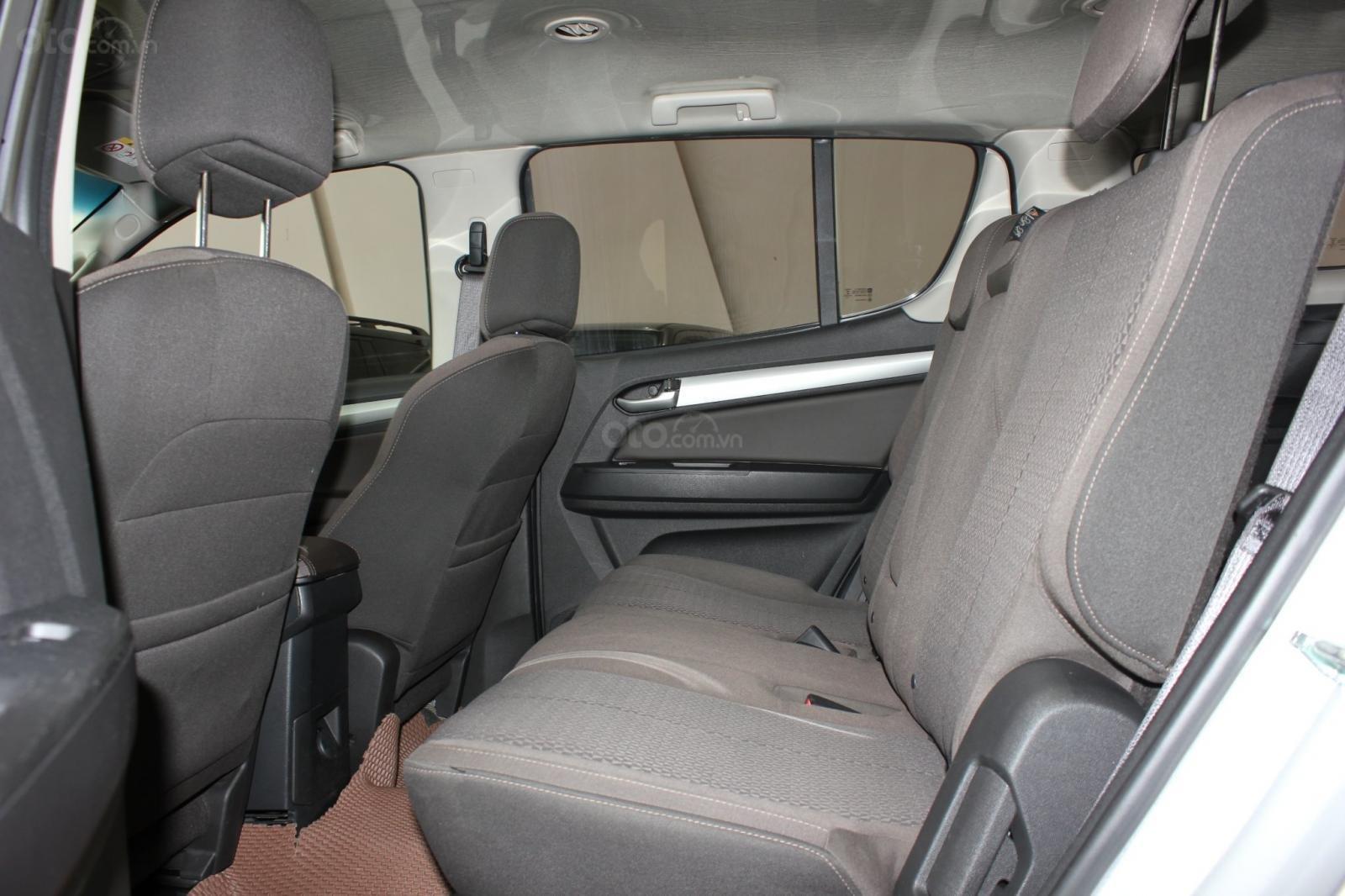 Cần bán xe Chevrolet TrailblazerLT 2.5AT 2018, máy dầu, xe nhập nguyên chiếc Thái Lan, giá thương lượng (18)