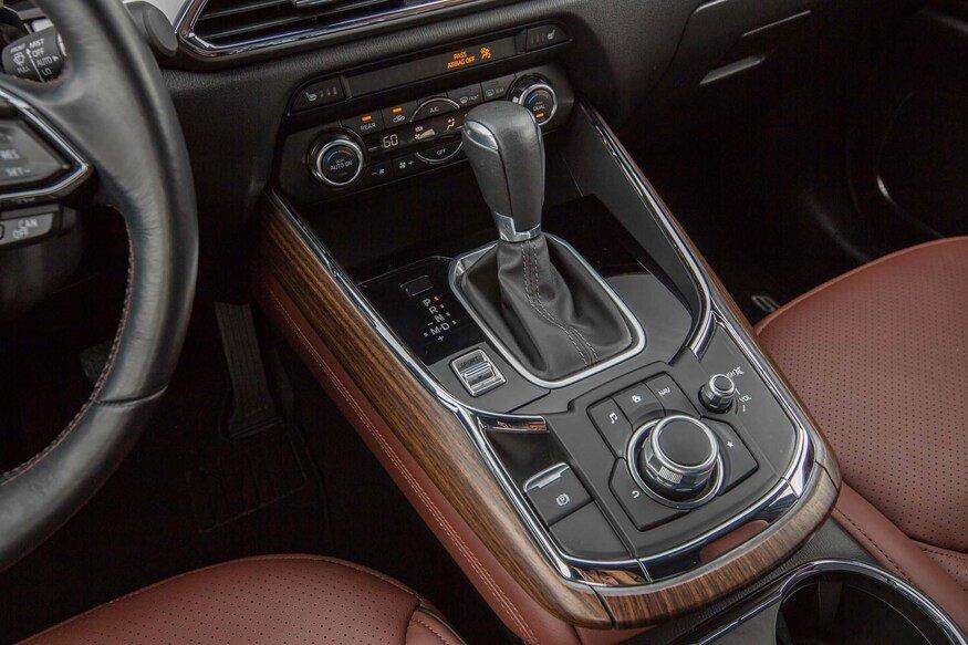 Mazda CX-9 2020 có thêm cổng USB.