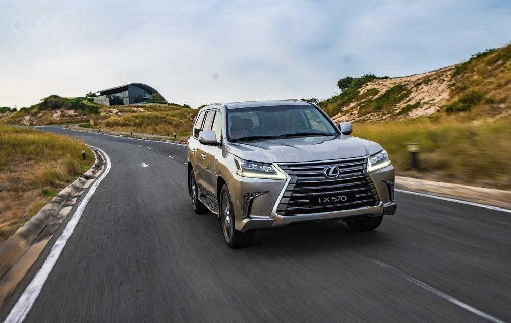 Thông số kỹ thuật Lexus LX 2020 vừa mở bán tại Việt Nam A3