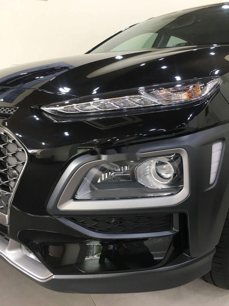 Cần bán xe Hyundai Kona sản xuất năm 2019, nội thất đẹp (9)