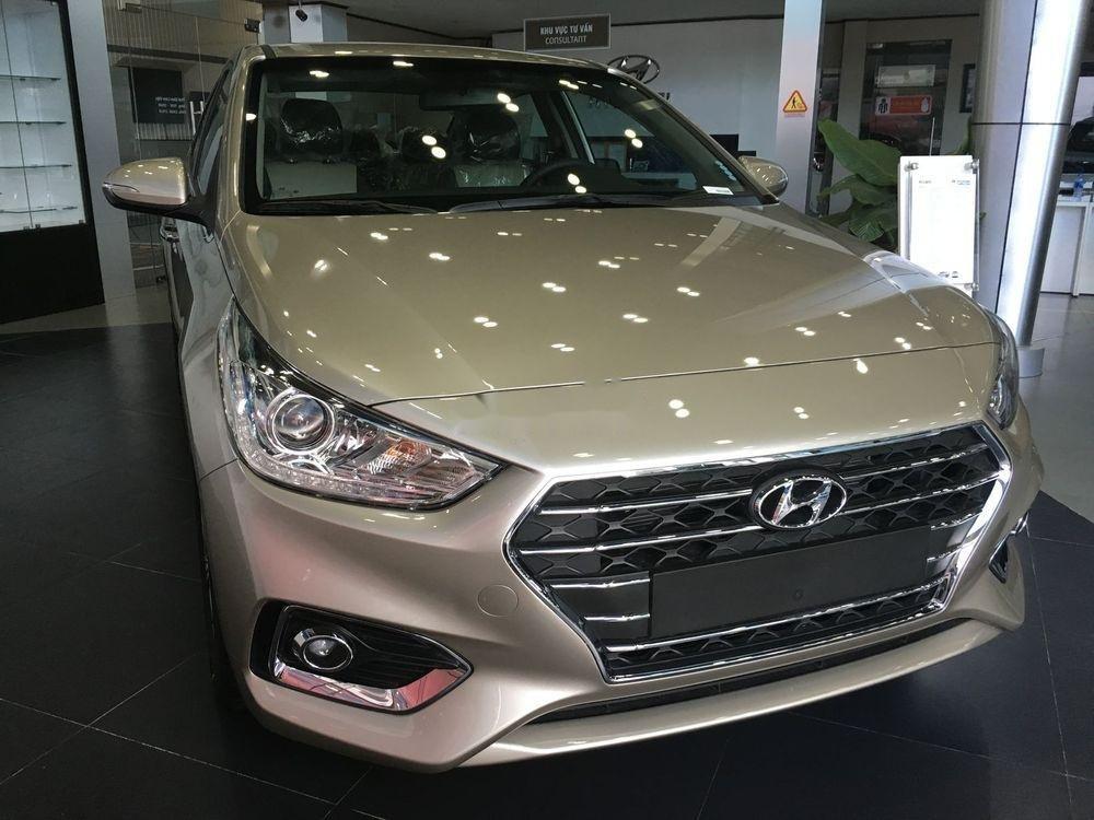 Bán xe Hyundai Accent năm sản xuất 2019, màu vàng cát. Giao ngay (1)