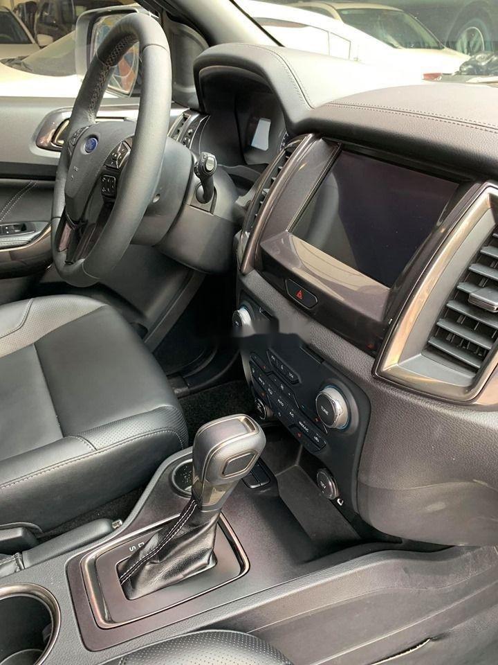 Cần bán lại xe Ford Everest Titanium 4x2AT đời 2018, màu đen, nhập khẩu số tự động (4)