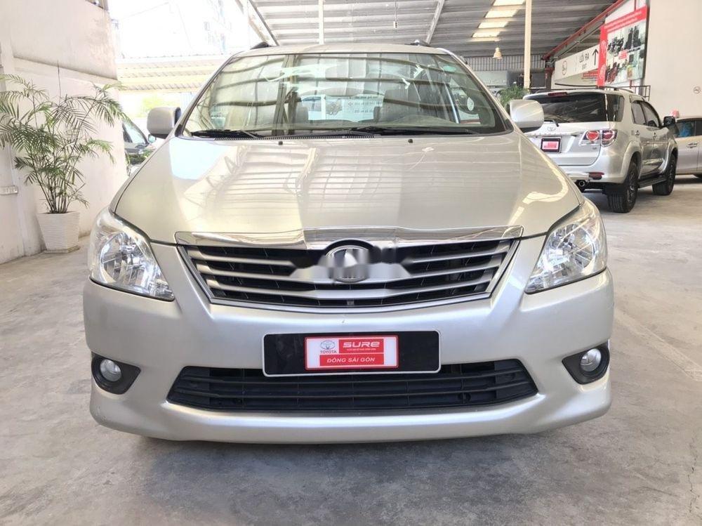 Cần bán Toyota Innova G đời 2013, màu bạc (1)