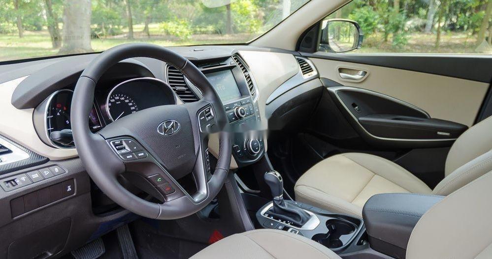 Cần bán gấp Hyundai Santa Fe AT đời 2016, màu trắng (3)