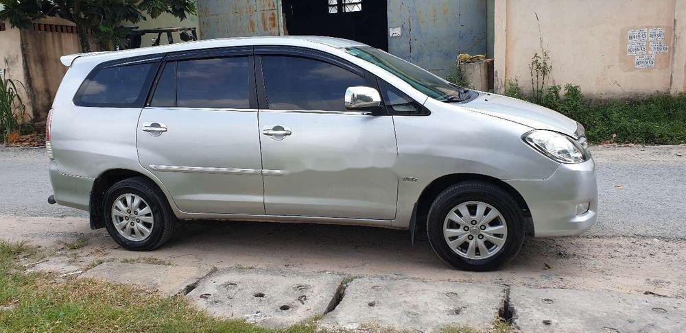 Bán xe Toyota Innova đời 2010, màu bạc chính chủ, giá chỉ 345 triệu, xe nguyên bản (12)