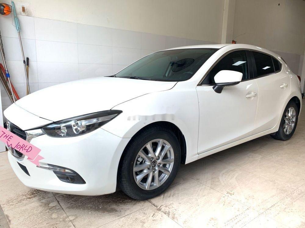 Bán xe Mazda 3 sản xuất năm 2017, màu trắng (1)