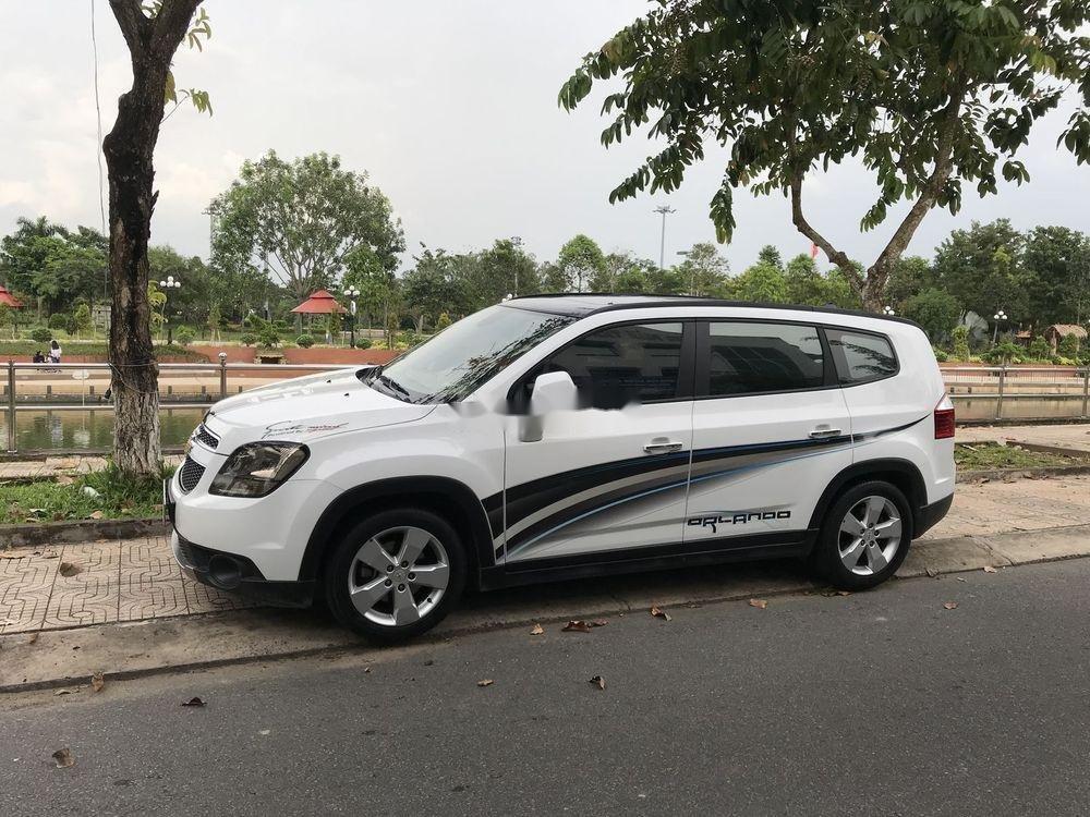 Cần bán Chevrolet Orlando LTZ 1.8 năm sản xuất 2018, màu trắng còn mới  (1)