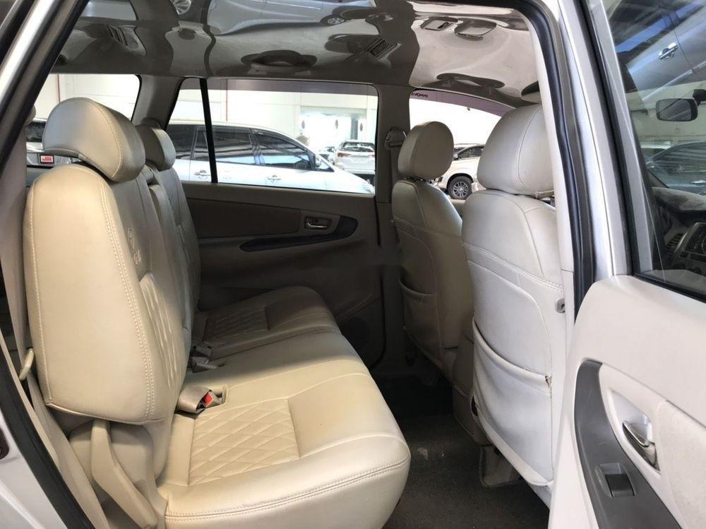 Cần bán Toyota Innova G đời 2013, màu bạc (6)