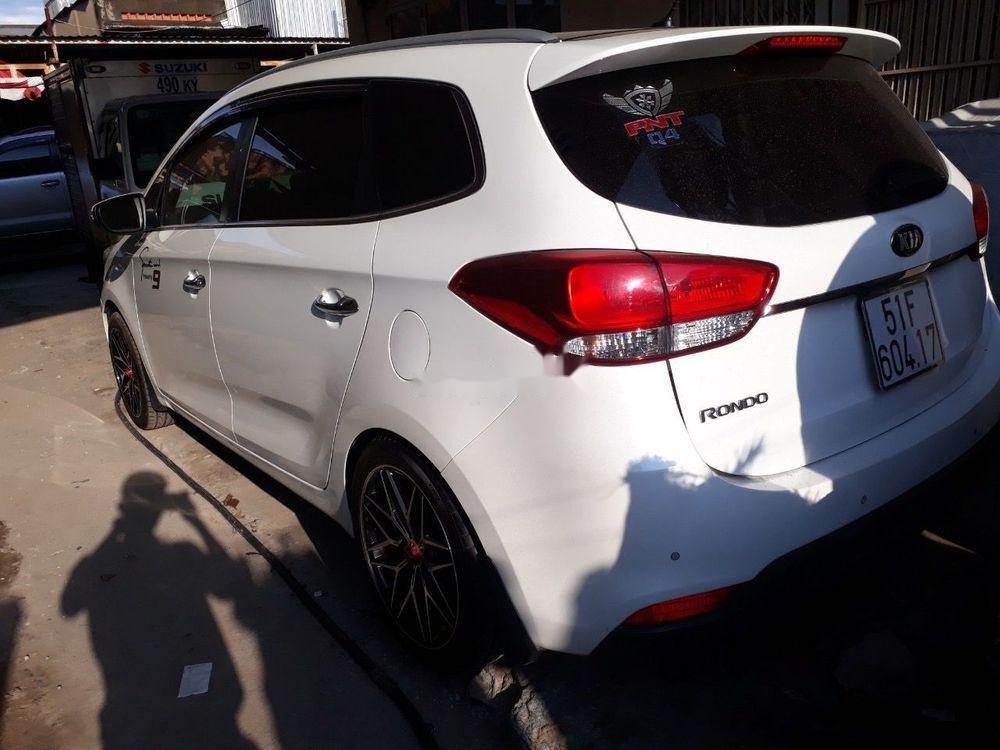 Bán xe Kia Rondo 2.0GAT sản xuất năm 2016, màu trắng, giá chỉ 536 triệu (5)