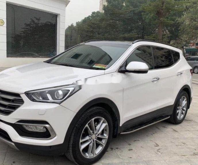 Cần bán gấp Hyundai Santa Fe AT đời 2016, màu trắng (1)