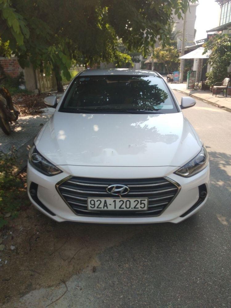 Bán Hyundai Elantra năm sản xuất 2018, màu trắng, xe nhập còn mới (2)