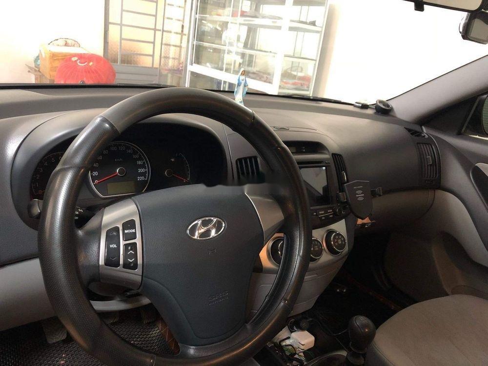 Bán Hyundai Avante năm 2014, màu bạc (4)