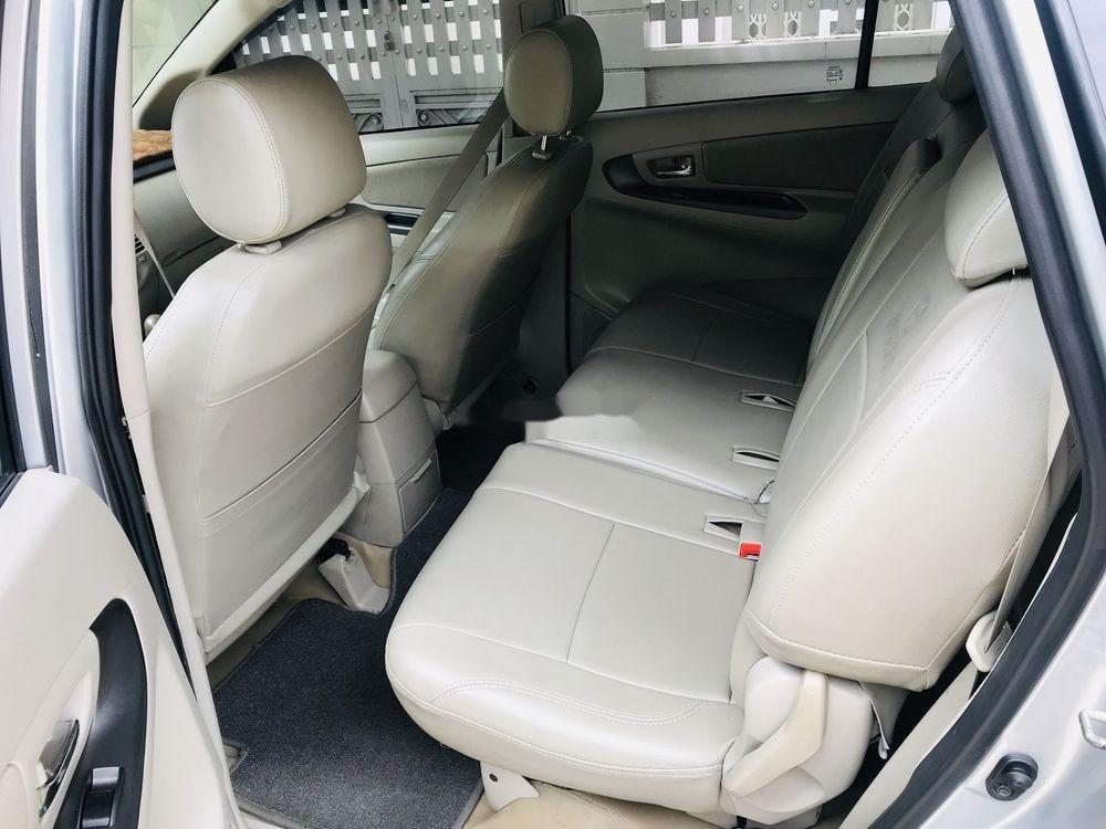 Bán Toyota Innova năm sản xuất 2015, màu bạc, 545 triệu (10)