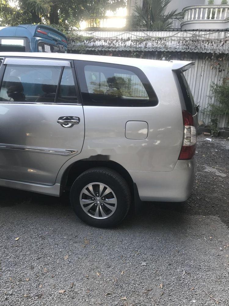 Bán ô tô Toyota Innova sản xuất năm 2013, màu bạc, giá 385tr (5)