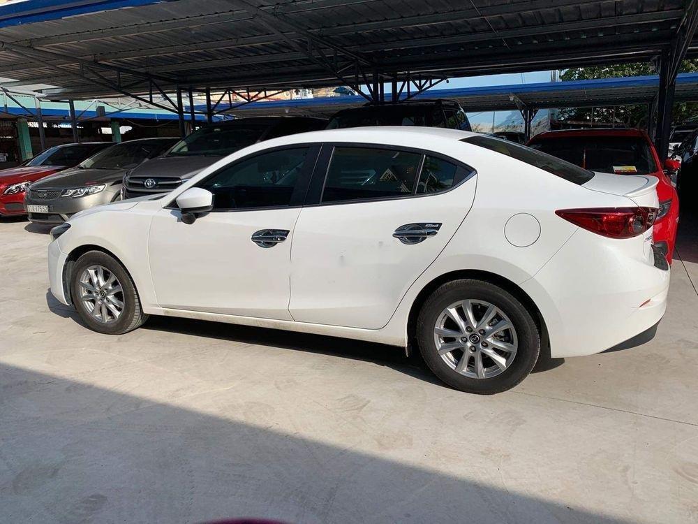 Xe Mazda 3 AT sản xuất 2017, màu trắng (1)