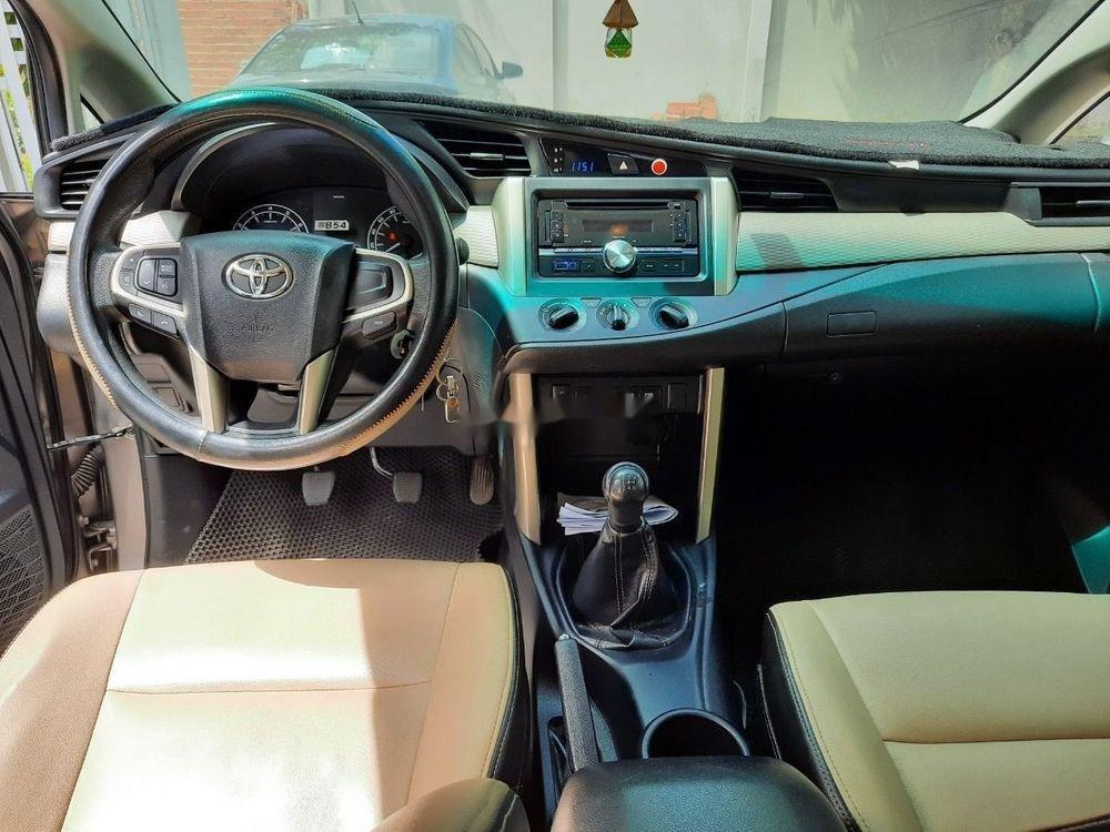 Cần bán Toyota Innova năm sản xuất 2016, giá 615tr (3)