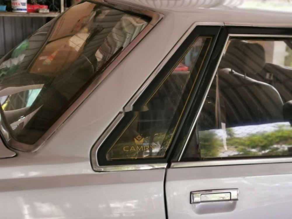 Cần bán Toyota Camry năm 1986, màu bạc, nhập khẩu (9)